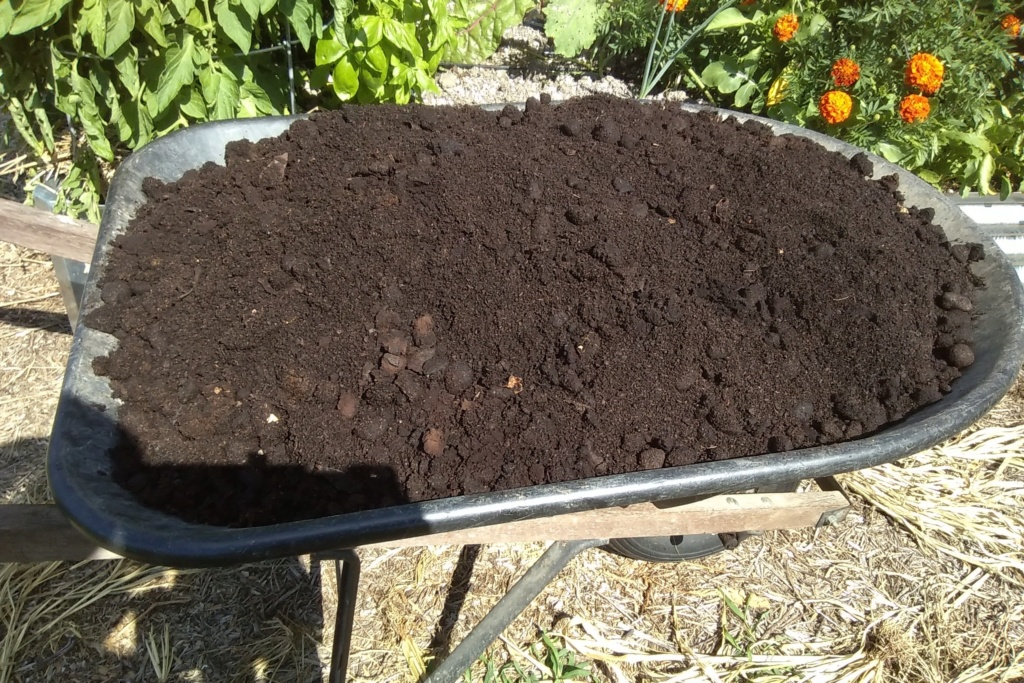 Tips for compost tumbler - Page 5 Comple11