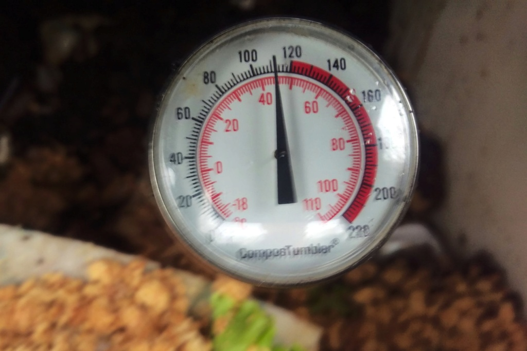 Tips for compost tumbler - Page 5 Compos21