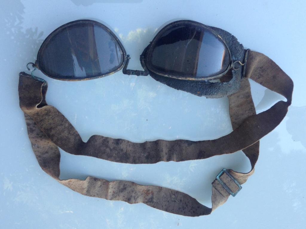 identification paire de lunettes type motocycliste Img_7128
