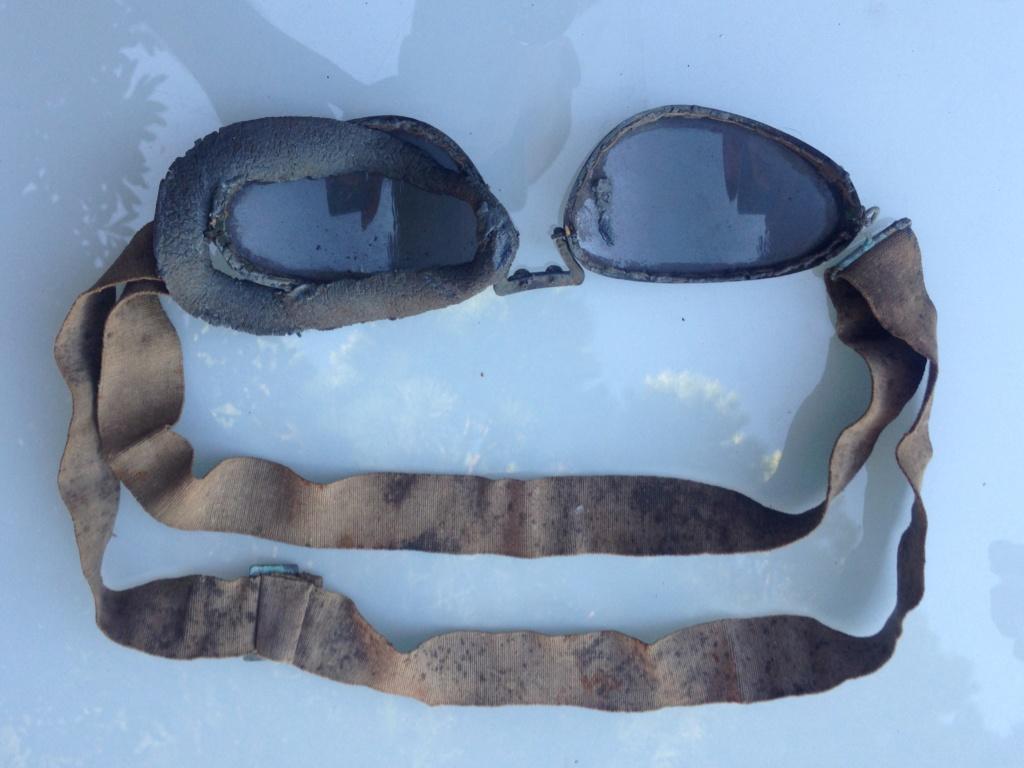 identification paire de lunettes type motocycliste Img_7129