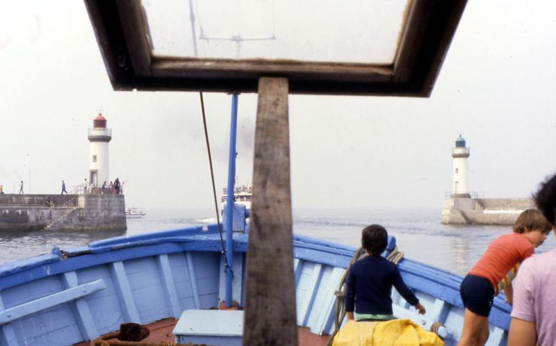 Mon 3ème bateau La barque se St Pierre ( chalutier cotier caseilleur ) File0012
