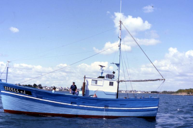 Mon 3ème bateau La barque se St Pierre ( chalutier cotier caseilleur ) File0114
