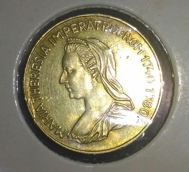 Maria Teresa 1740 1780....medalla??? Cara_a11