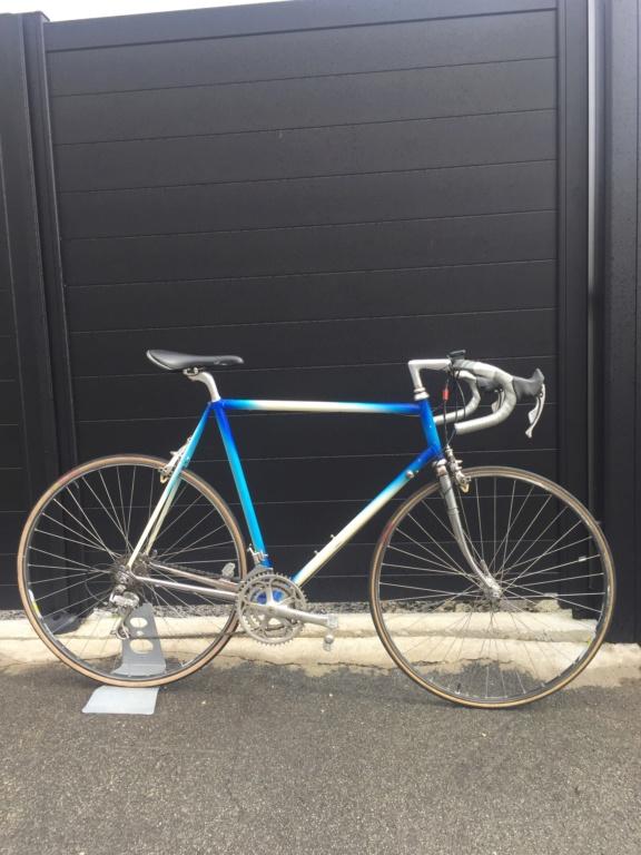 Besoin d'avis sur la marque de ce vélo repeint Img_5110