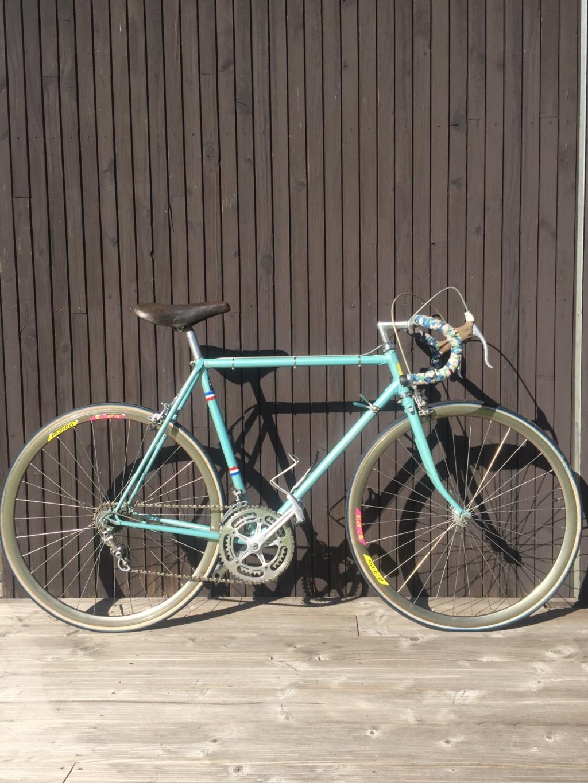 Besoin d'avis sur ce vélo italien en Campagnolo Img_5210
