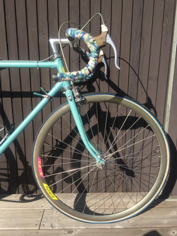 Besoin d'avis sur ce vélo italien en Campagnolo Img_5211