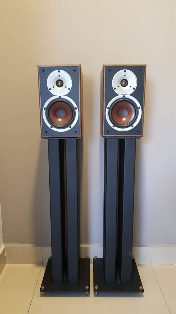 Dali Spektor 2 Bookshelf Speaker - Sold Gewm9810