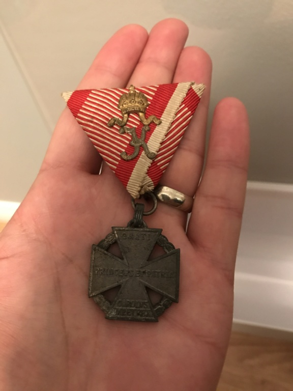 Relatives Medals/mementos  4b8eef10