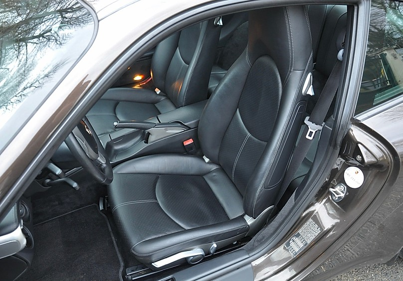 Officiellement en vente : 997 Carrera S Marron Macadamia 910