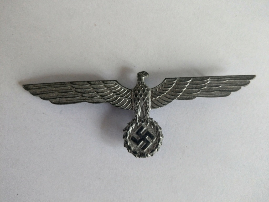 Insigne de casquette aigle - WW2 Imag2529