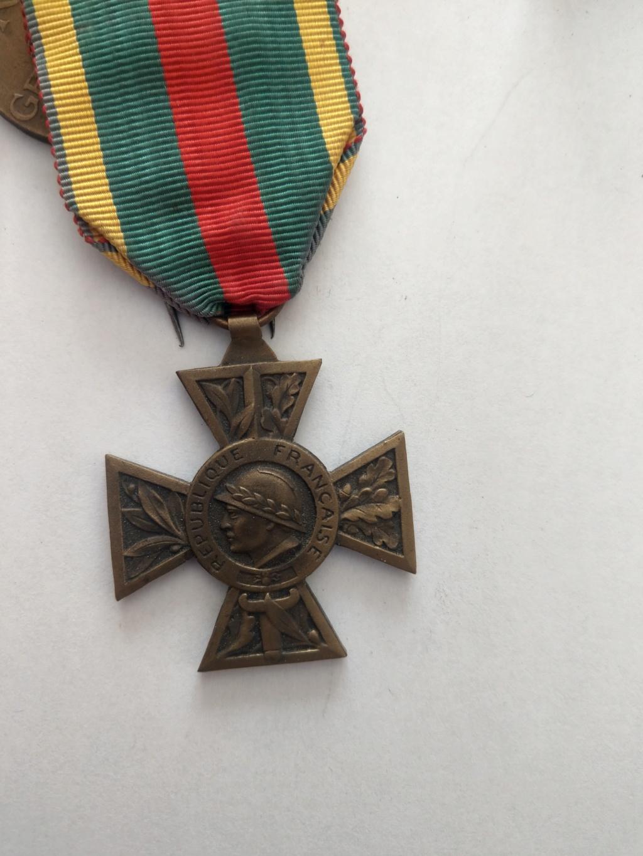 Décorations militaires de la WWI à estimer Imag2533