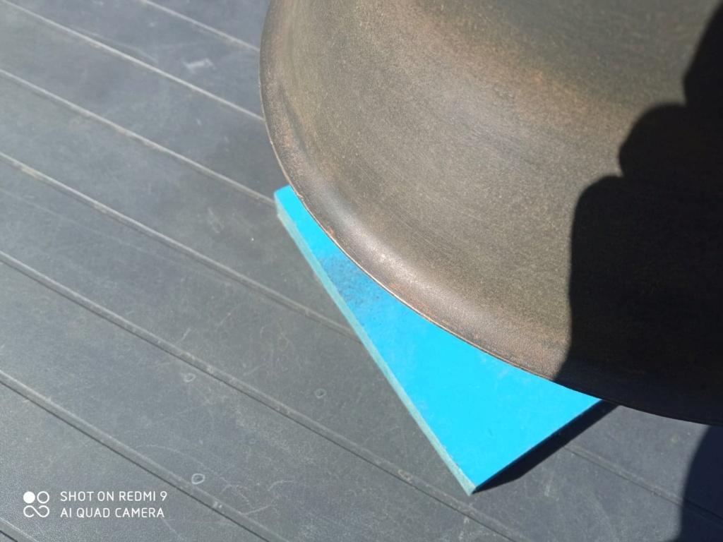Identification d'un casque allemand m42 312