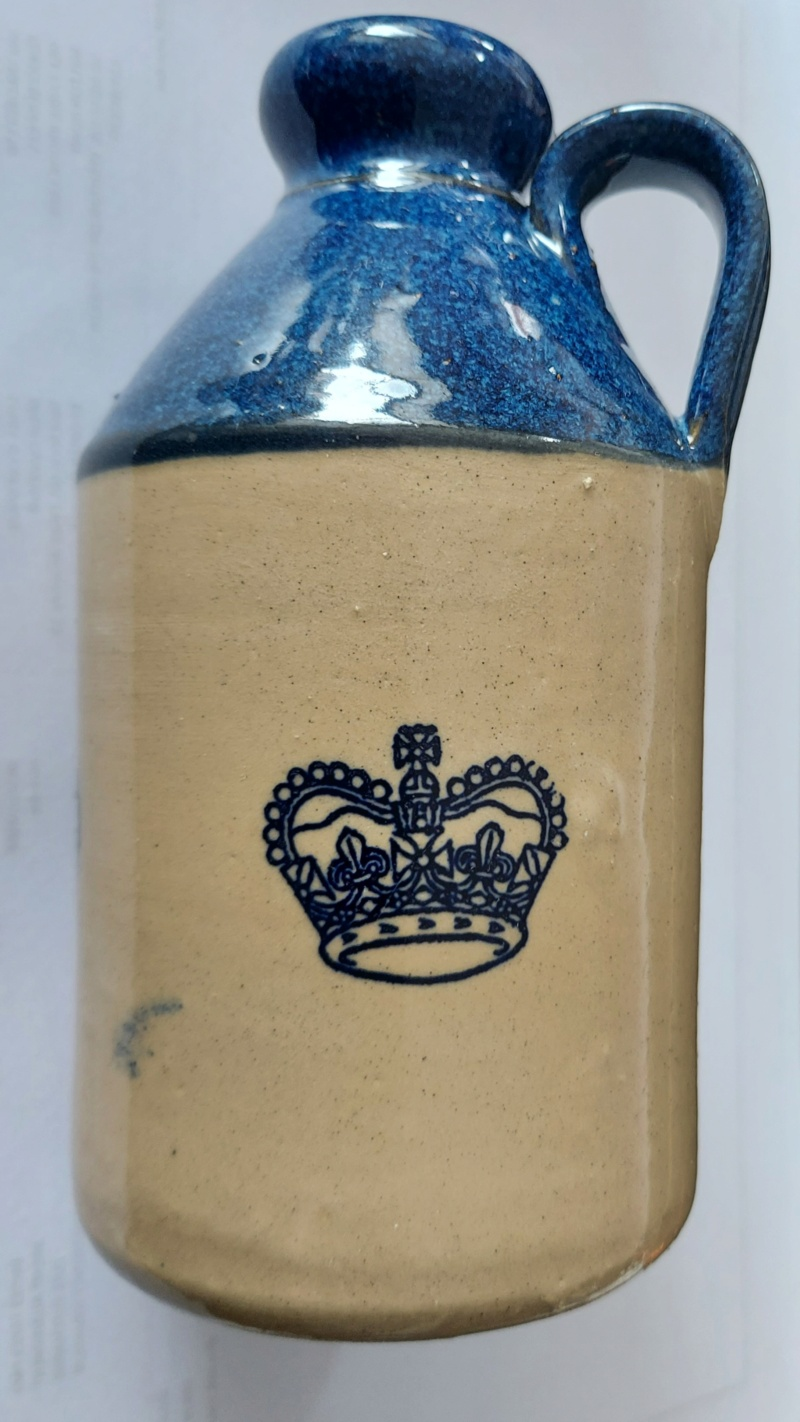 Stoneware bottle - blue top 20210423