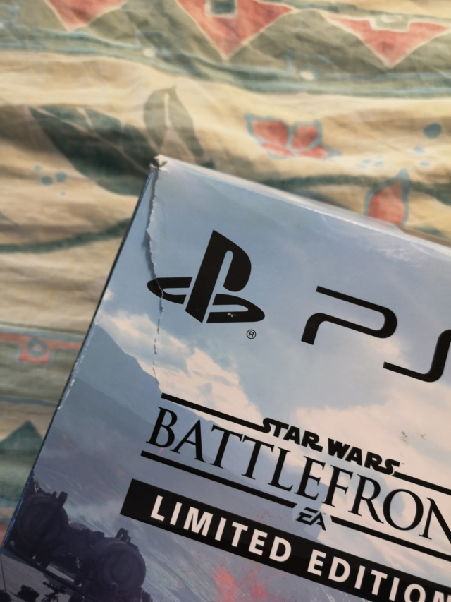 PS4 pro collector Star Wars et PS4 collector Star Wars + GOW Collector Img_2031