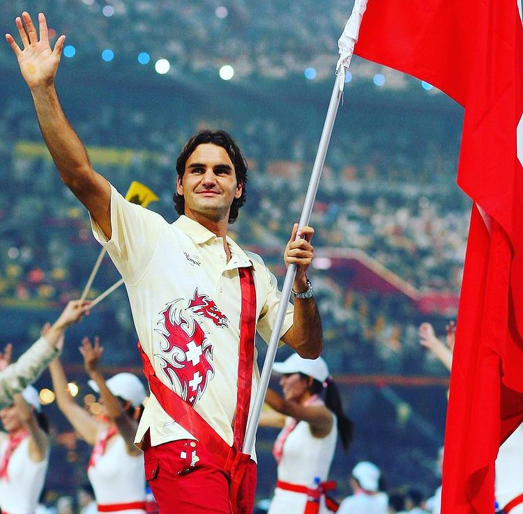 Federer rinuncia a Tokyo 2020 per un problema al ginocchio Whatsa11