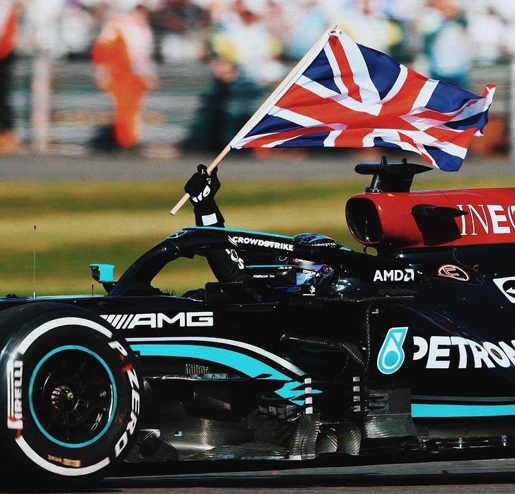 [F1] Hamilton vince avanti ai propri tifosi Whatsa15