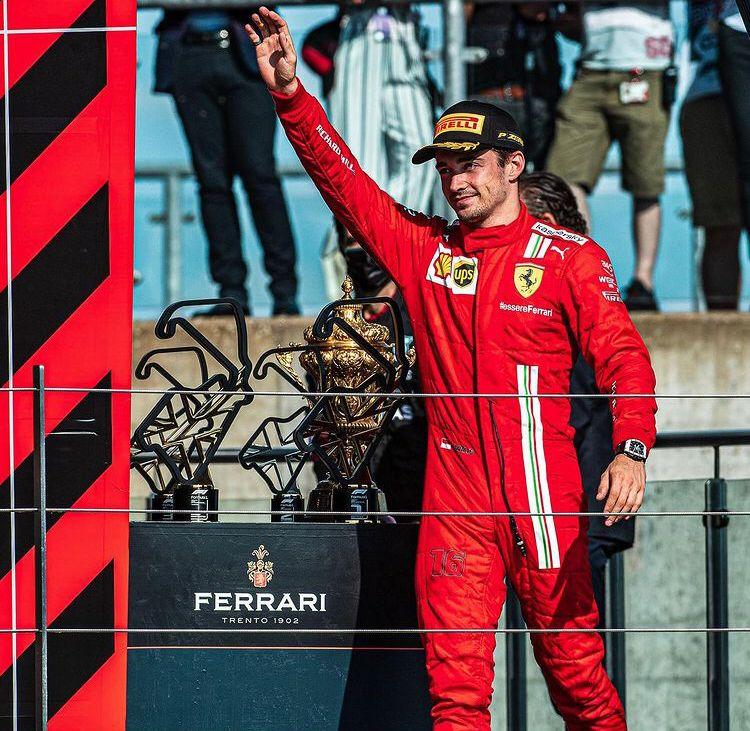 [F1] Hamilton vince avanti ai propri tifosi Whatsa16