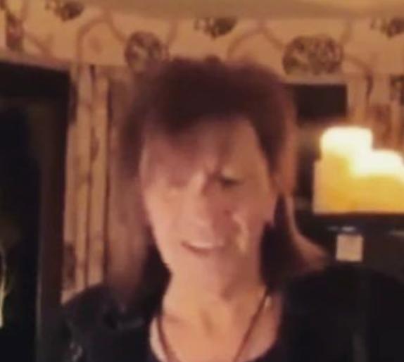 Jon Bon Jovi se queda calvo... - Página 11 Ric10
