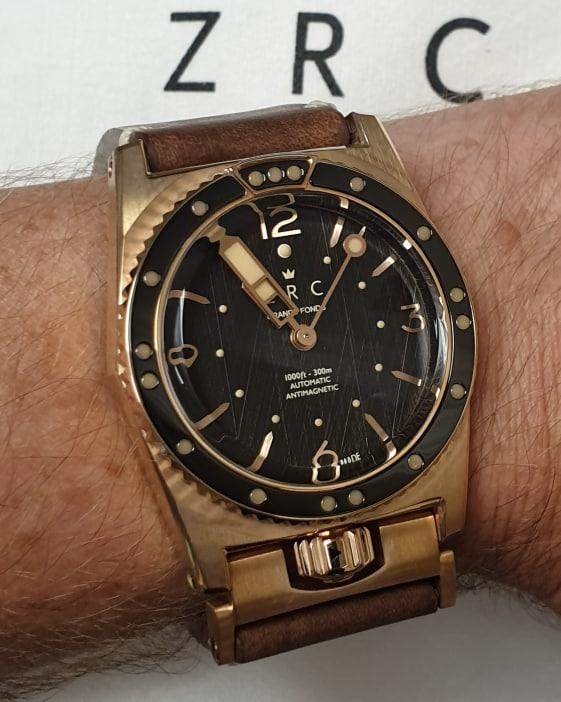 Si vous deviez vous offrir une montre en bronze . - Page 2 69934612