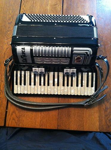 """Vintage Gretsch accordéon """"la tosca"""" 127"""