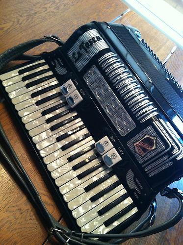 """Vintage Gretsch accordéon """"la tosca"""" 227"""