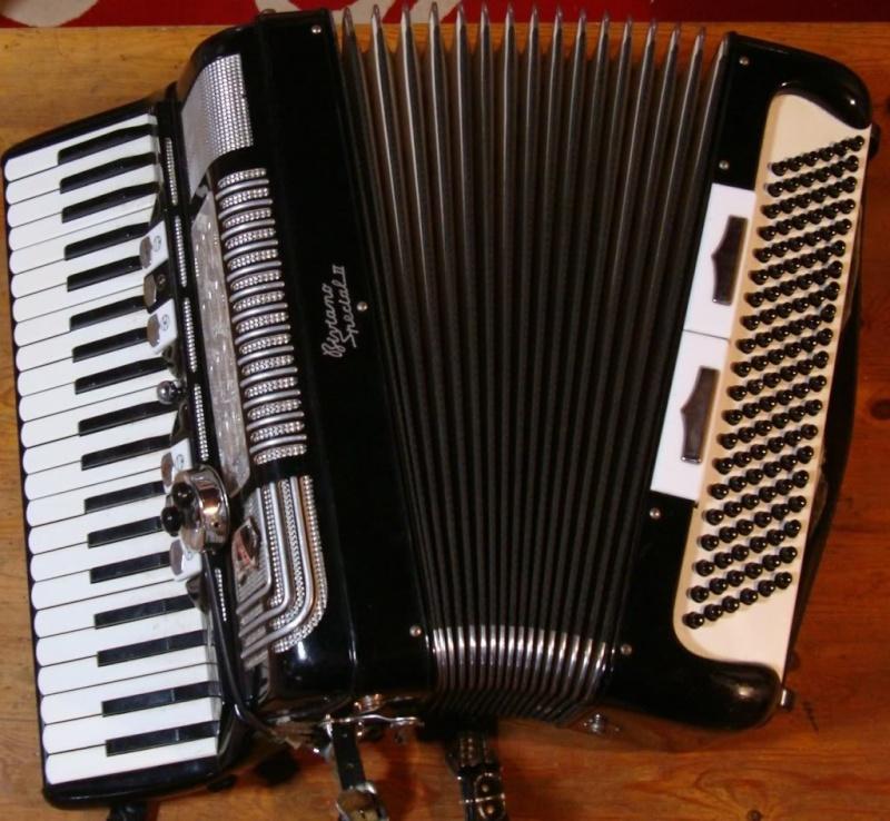 """Vintage Gretsch accordéon """"la tosca"""" Dsc07210"""