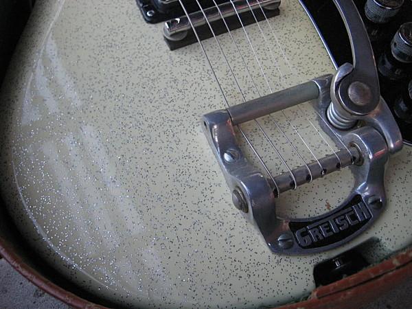 "Vintage Gretsch ""vibrato tremolo and bigsby"" Grets214"