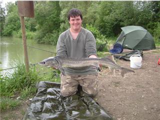 Esturgeon coin de pêche Getatt10