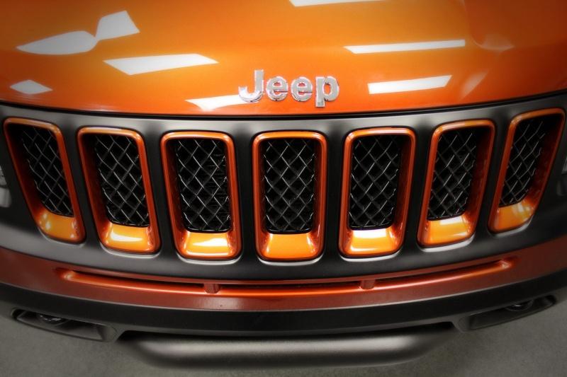 Jeep Compass par Mopar : orange mécanique ! Jeep-c10