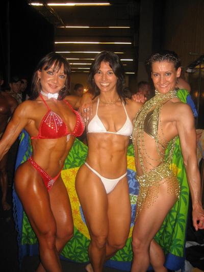 PHOTOS DU SALON BODY FITNESS 2008 - Page 4 Trio_d10