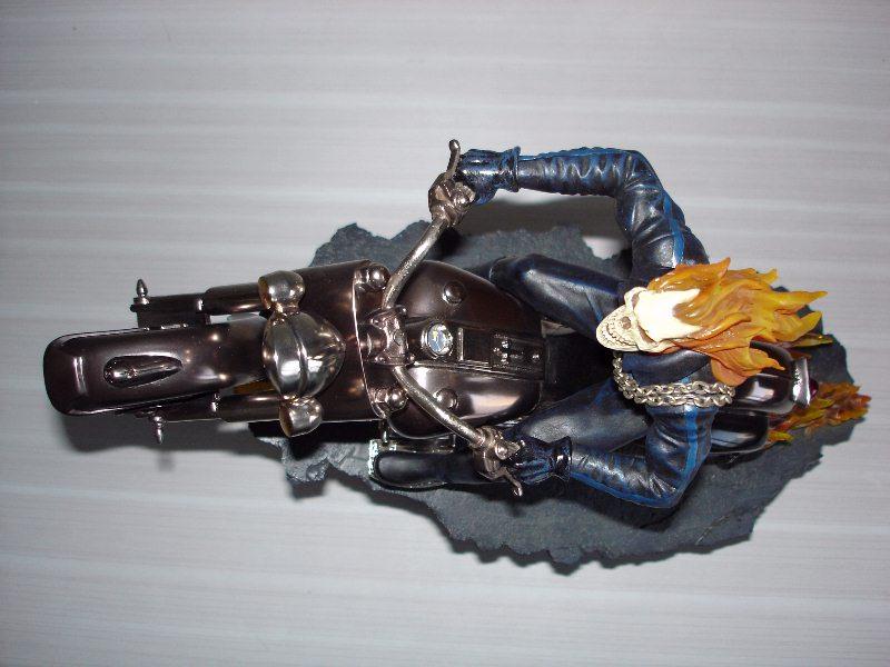 "Statue MOTARD FANTÔME ""J.Blaze / museum change-o-hand"" (Ghost Rider) - Page 2 Gr2910"