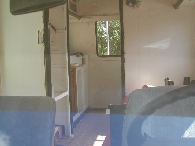 [MK2] Rénovation de mon Ford Transit MK2 Pilote R360 Dscn0065