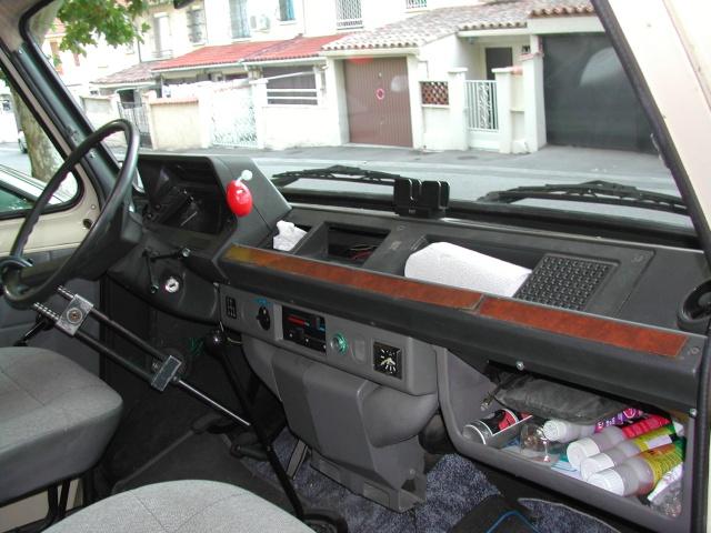 [MK2] Rénovation de mon Ford Transit MK2 Pilote R360 Dscn8721