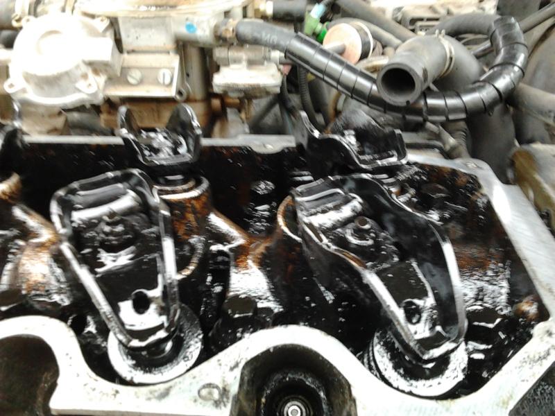 [ Ford Fiesta 1.4l clx an 1992 ] circuit huile / bruit culbuteurs Photo014