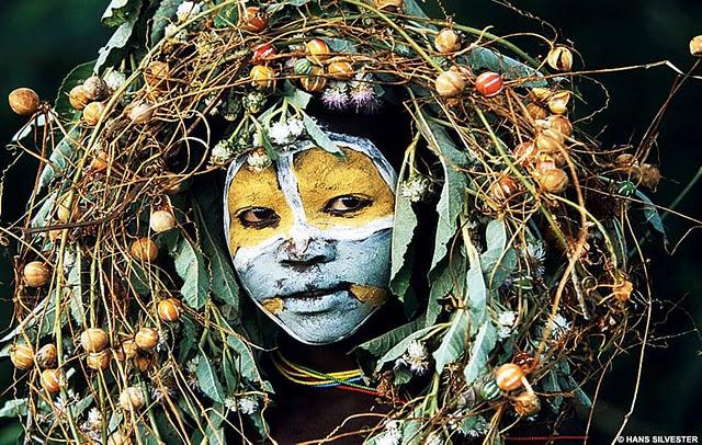 Entre body-painting et land-art Africa10