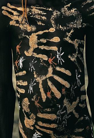 Entre body-painting et land-art Artwor11