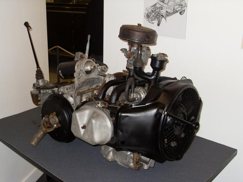 Exposition au musée H.Malartre (69) pour les 60ans de la 2cv Sdc11446