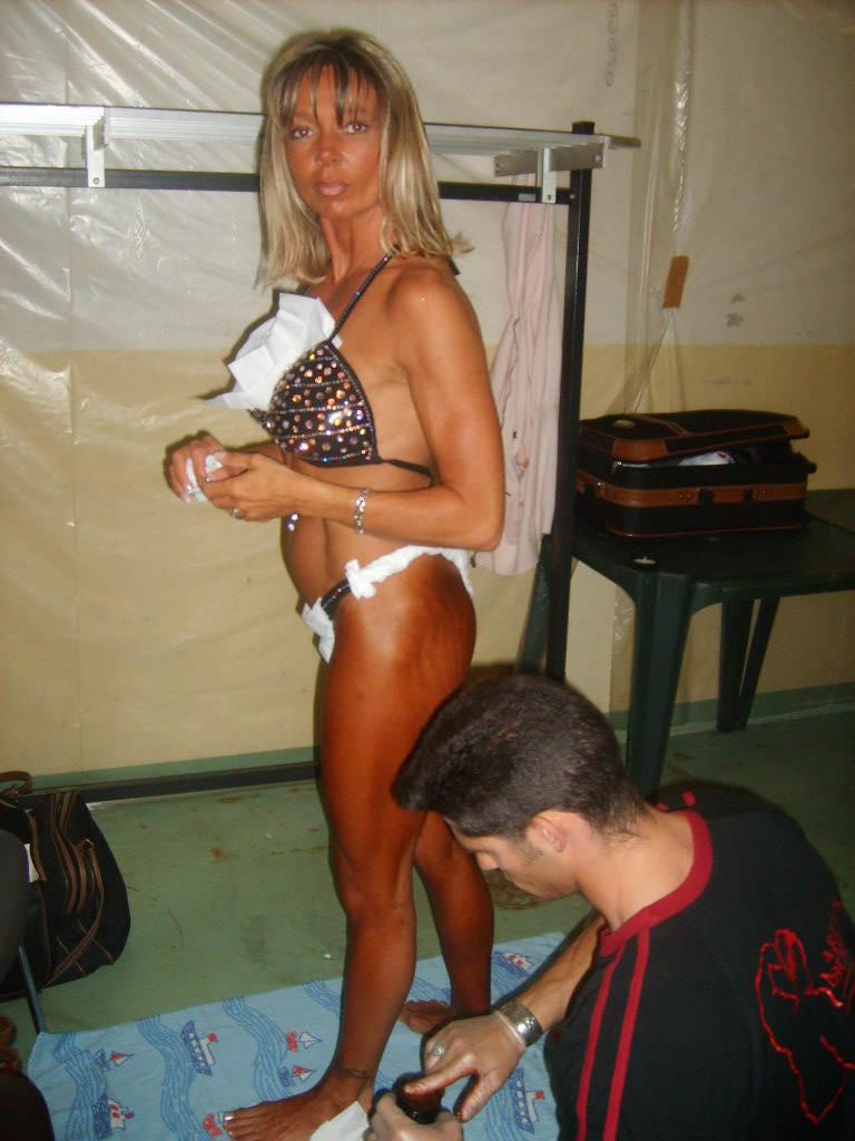 photos du Ripert Body Show 2008 - Page 3 S5002022