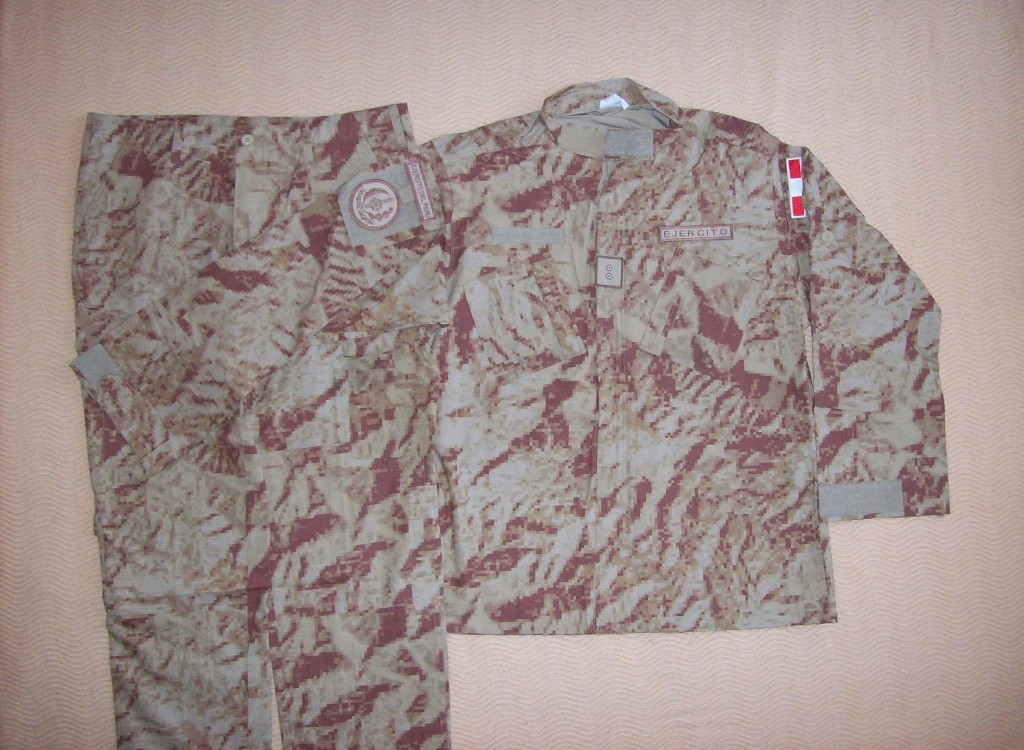 DESERT digital camouflage uniform 100_2010