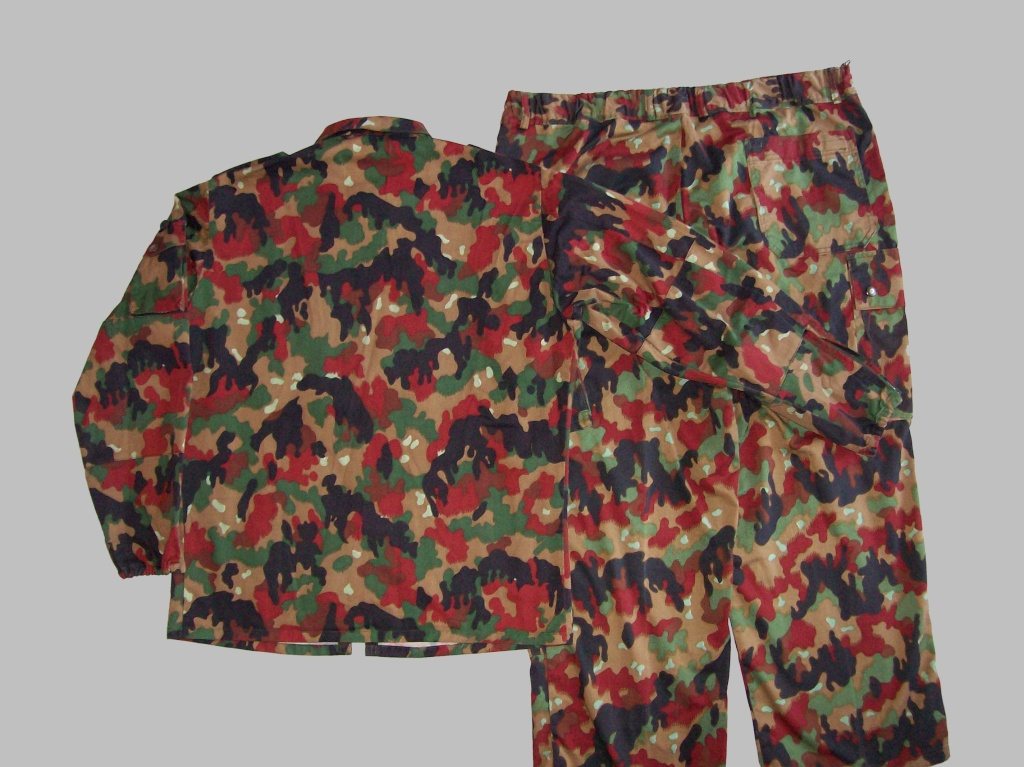 Swiss Leibermuster Camouflage Variations #1 100_5624