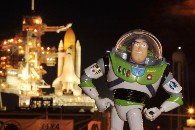 Buzz Lightyear : vers l'infini et surtout L'ESPACE! 0528as10