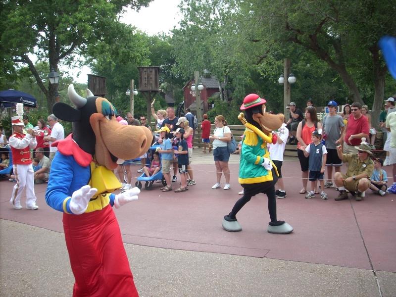Les vacances de Mister Wolfi et Matttthieu : Walt Disney World Tour 2008 - Page 2 Dscn3613