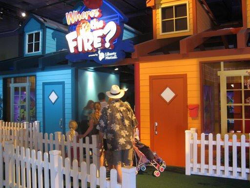 Les vacances de Mister Wolfi et Matttthieu : Walt Disney World Tour 2008 - Page 2 Img_0021