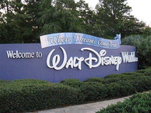 Les vacances de Mister Wolfi et Matttthieu : Walt Disney World Tour 2008 - Page 2 Img_1417