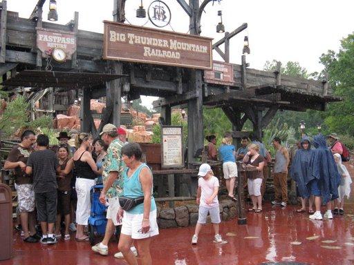Les vacances de Mister Wolfi et Matttthieu : Walt Disney World Tour 2008 - Page 2 Img_1610