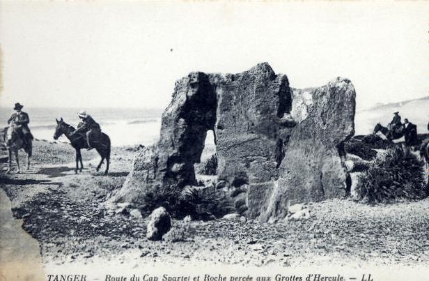 PHOTOS ANCIENNES DE TANGER - Page 2 18740210
