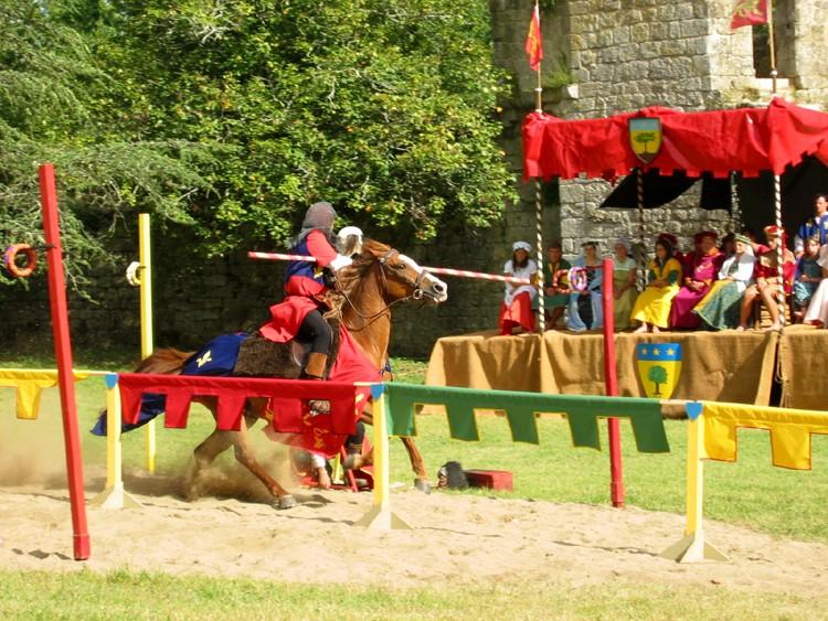 2007 Aout: festival médiéval St Felix de Foncaude (33) 333_1110