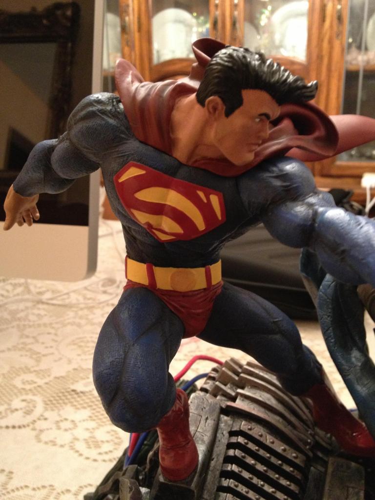 THE DARK KNIGHT RETURNS - Superman VS Batman Statue  410