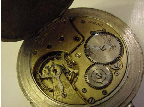 L'histoire des montres de chemins de fers - Page 4 Zcf-111