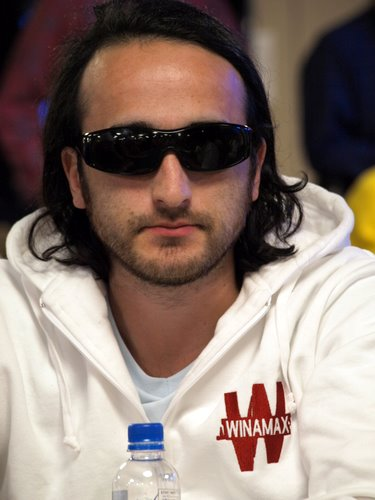 WSOP #38 POT LIMIT Holdem 2000 $ [WInner davidi Kitai ] - Page 4 Kitai_13